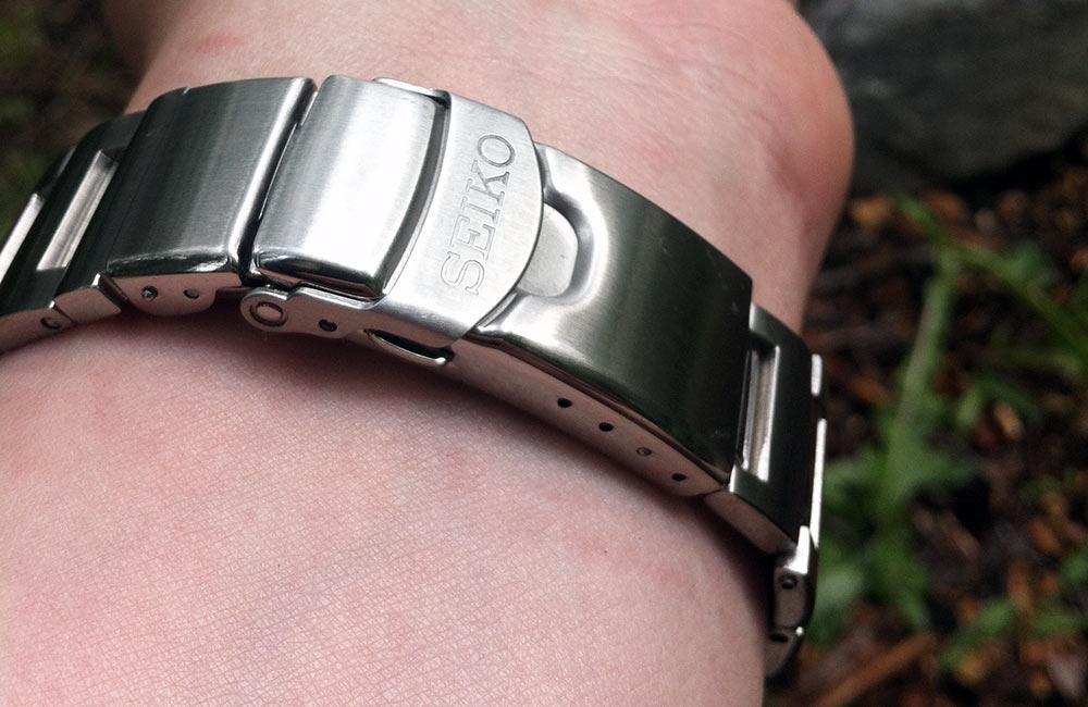 Seiko Monster steel bracelet is of high quality.